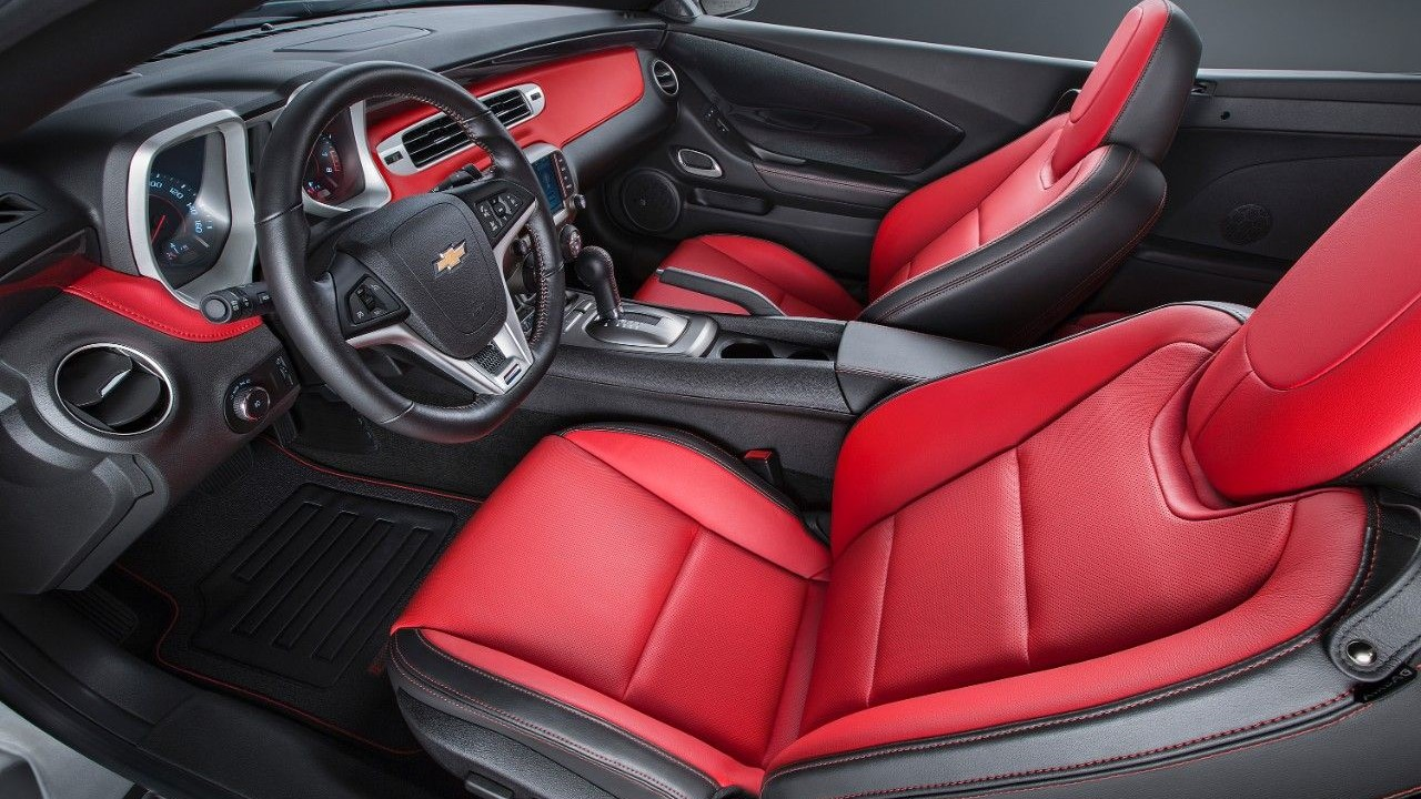 2019 Chevrolet Camaro SS Seating and Interior