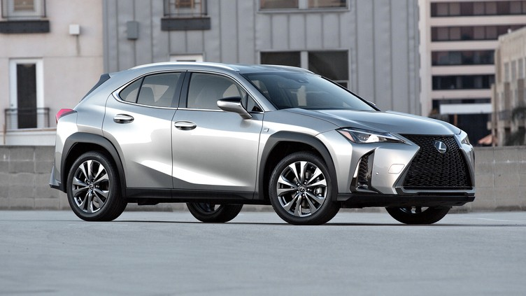 2019 Lexus UX 200 front three-quarterview