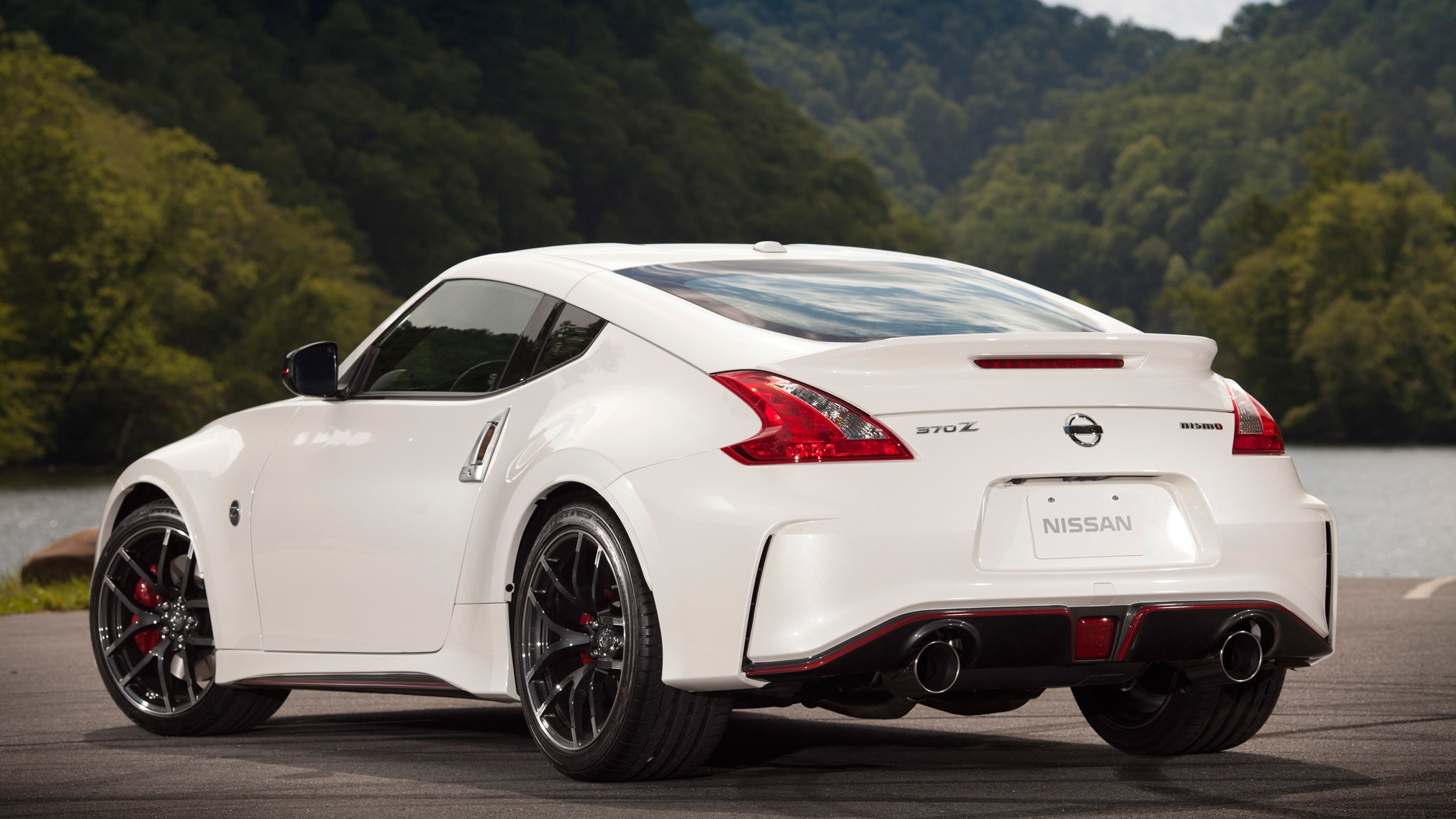 Nissan 370Z NISMO Coupe Rear View