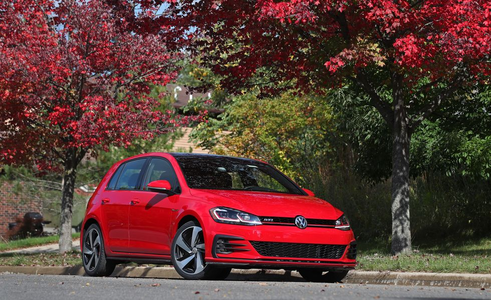 2019 volkswagen golf gti red front view