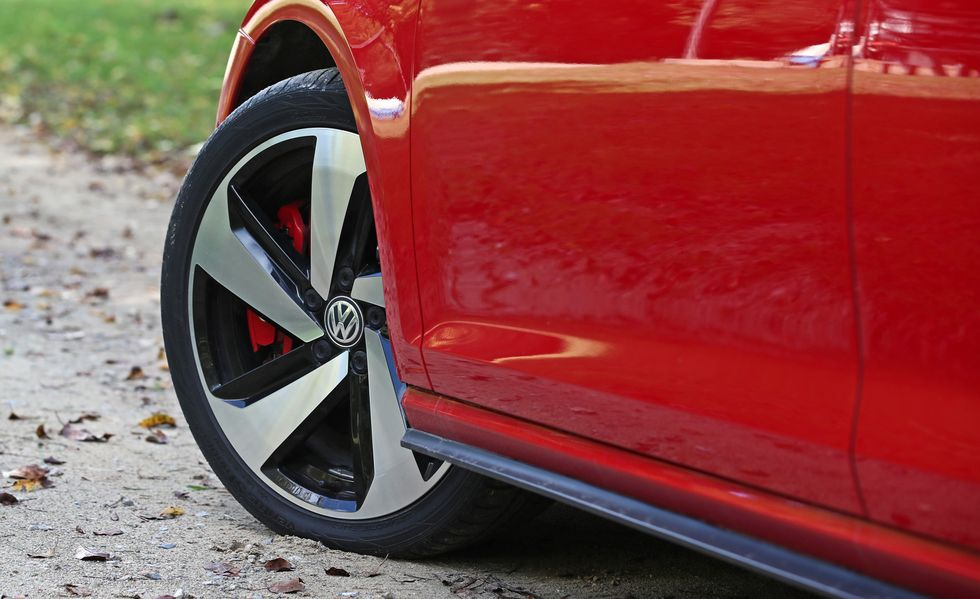 2019 volkswagen golf gti front alloy wheel